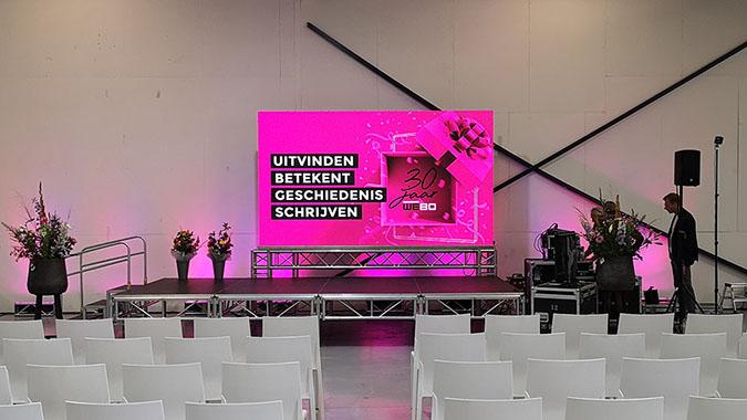 licht en geluid voor presentatie in rijssen, twente. icm podium en groot led scherm