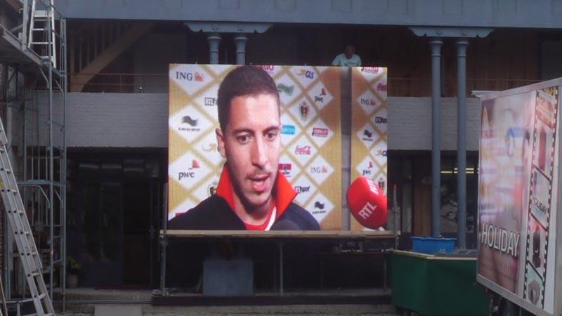 modulair outdoor led scherm huren tijdens ek voetbal.